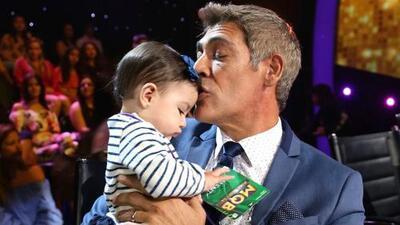 Con el apoyo de su única nieta, Johnny Lozada anuncia un cambio en su familia