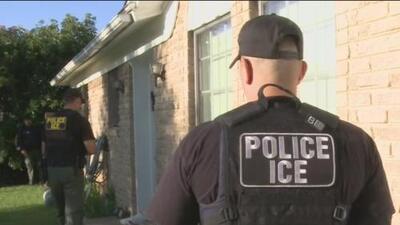 Corte Suprema emite fallo que permite al gobierno detener a inmigrantes con antecedentes penales