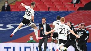 Fulham derrota al Brentford y asciende a la Premier League