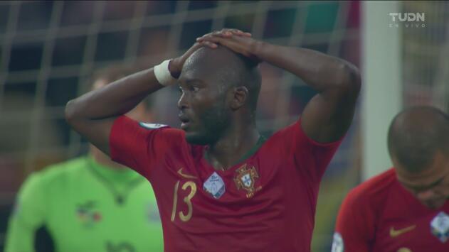 Ucrania corre con suerte, se salva del empate ante Portugal