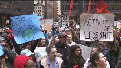 Cientos de jóvenes de Chicago se unen para exigir acción inmediata en la lucha contra el calentamiento global