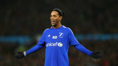 Ronaldinho, Figo, Deco, Shevchenko y Gerrard en juego de estrellas en Kuwait