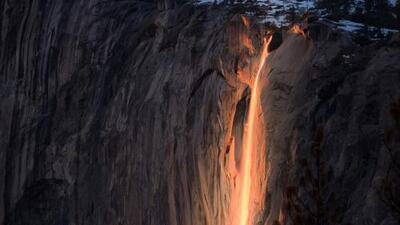 Así es la cascada de 'fuego' en el parque Yosemite