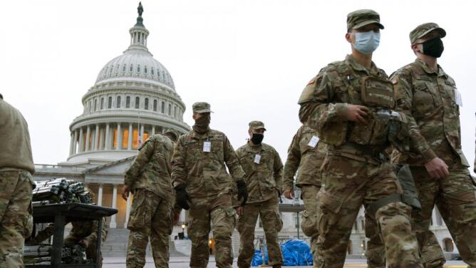 Los 50 estados se 'blindan' ante la posibilidad de protestas armadas ante la juramentación de Biden