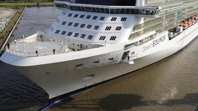 Arriba a Miami uno de los dos cruceros en donde viajaban los turistas que fallecieron accidentados en México