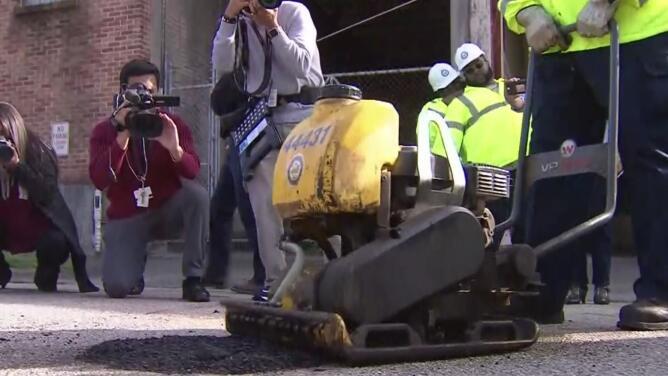 La estrategia de la Alcaldía de Houston para reparar los baches en las avenidas y calles
