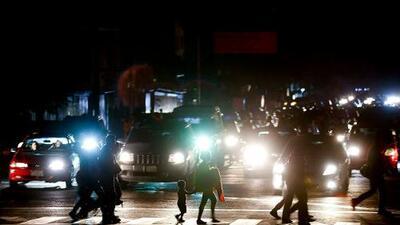 El peor y más largo de todos los apagones deja a oscuras a la mayor parte de Venezuela