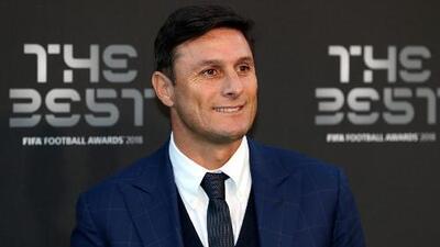 Javier Zanetti espera que con Antonio Conte el Inter de Milán vuelva a pelear por el título de la Serie A