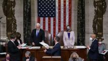 En un minuto: El Congreso confirma victoria de Biden tras el asalto al Capitolio de los seguidores de Trump