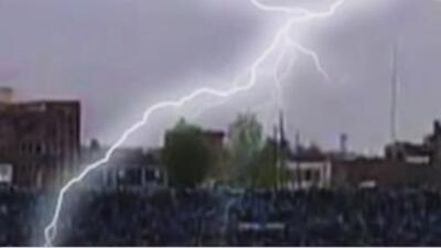 ¿Cómo evitar ser impactado por un rayo? Toma estas precauciones si estás en medio de una tormenta eléctrica