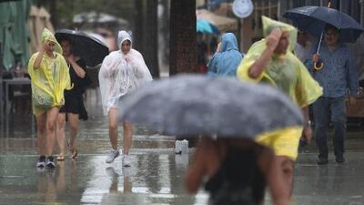 Tarde y noche de viernes pasadas por lluvias y cielos mayormente nublados en Miami