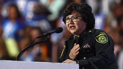 Lupe Valdez se proclama como la candidata demócrata a la gobernación de Texas