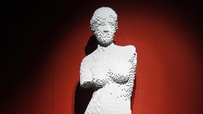 Obras de arte hechas con Lego: la impresionante exposición del Museo de Ciencias Naturales de Houston