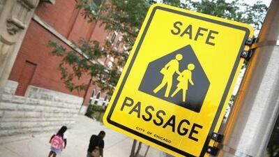 Lo que madres de Chicago están haciendo para garantizar la seguridad de sus hijos camino a la escuela