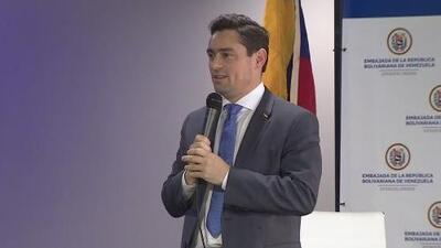 El embajador de Guiadó en EEUU estuvo en Houston y explicó acuerdo para que se acepte pasaporte vencido a venezolanos