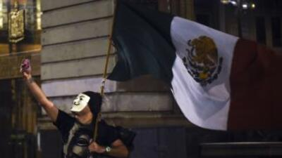 Intelectuales ven un México 'bañado en sangre' tras desaparición de estudiantes