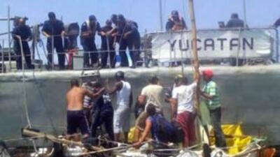 Rescatan a 23 cubanos a la deriva frente a costas de México