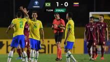 Firmino mantiene a Brasil con paso perfecto