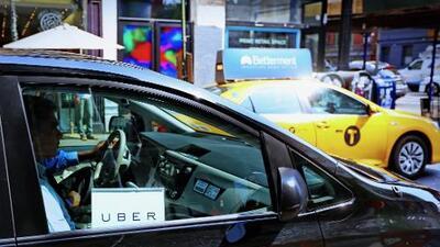 ¿Por qué Nueva York le pisó el freno al crecimiento de Uber y Lyft?