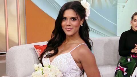 Francisca Lachapel se arriesgó presumiendo escote y un diseño más sensual en esta opción para vestirse de novia