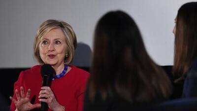 """Investigación sobre correos electrónicos de Hillary Clinton halla que no hubo un """"mal manejo intencional"""" de información clasificada"""