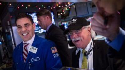 Sesión histórica en Wall Street con el Dow Jones alcanzando cifra récord