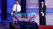 Nueve aspirantes demócratas dan a conocer sus propuestas para la comunidad LGBTQ