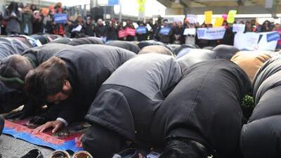De JFK a Columbia, Nueva York continúa su oposición al veto a musulmanes y refugiados
