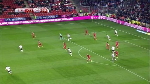 Goooolll!! Timo Werner mete el balón y marca para Germany