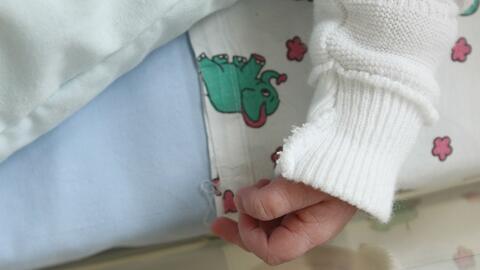 Investigan la muerte de un bebé de un mes que fue hallado inconsciente en su vivienda en Brooklyn