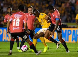 En fotos: ¡Duelo Feroz! Lobos empata ante Tigres con goles revisados por VAR
