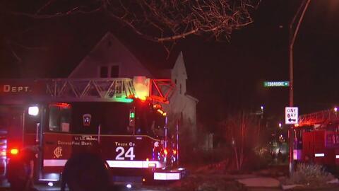 Voraz incendio deja sin hogar a una familia en el sur de Chicago