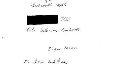 Una persona escribe una carta en la que se declara culpable de un asesinato cometido hace 45 años