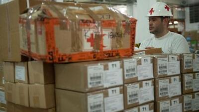 Con miles de ayudas humanitarias a bordo, un avión de American Airlines llegó a Bahamas