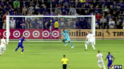 Dom Dwyer acorta el marcador con un letal cabezazo y le da vida a Orlando City