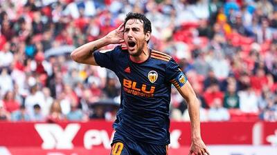 Con penalti de Dani Parejo, Valencia vence 1-0 a Sevilla de visitante