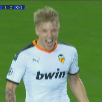 ¡Regresan de las cenizas! Wass le vuelve a dar vida al Valencia al marcar el 2-2