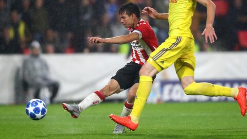 Y eso que fueron los playoffs... 'Chucky' Lozano dentro del top 5 de golazos de Champions League