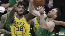 Celtics propina quinta derrota seguida a Warriors