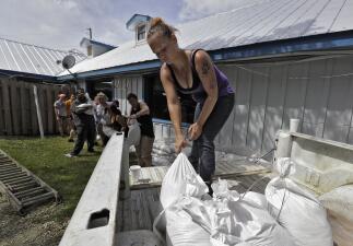 En fotos: Así se preparan los residentes del noroeste de Florida para la llegada del huracán Michael