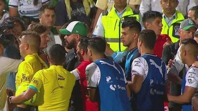La trifulca al final del partido entre Santos y Toluca