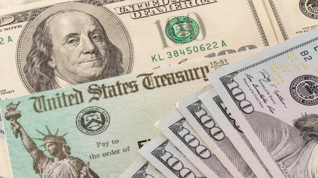 Un cheque de ayuda permanente y para todos: ¿una solución para las crisis?