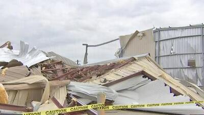 Los minutos de angustia que vivieron los trabajadores de una empresa en Fayette, Texas, afectada por las tormentas