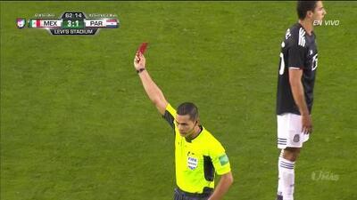 ¡Expulsión! El árbitro saca la roja directa a Miguel Almirón