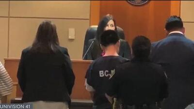 Buscan cadena perpetua para adolescente de 14 años imputado del asesinato de una madre e hija