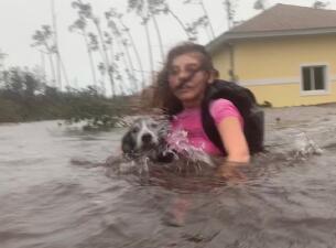 Dramáticos rescates, casas inundadas y barcos destrozados: las imágenes del paso del huracán Dorian por Bahamas