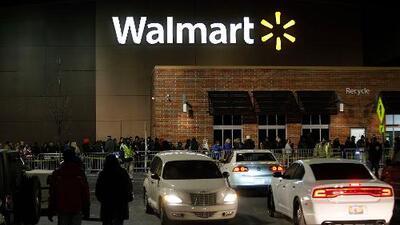 Walmart dejará de vender municiones para pistolas y estas son las reacciones de usuarios en redes sociales