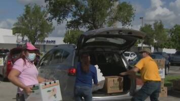 Así transcurrió una nueva jornada de entrega de alimentos para familias necesitadas en Miami-Dade