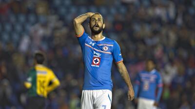 El camión de Cruz Azul olvidó a dos jugadores tras el partido de Copa MX