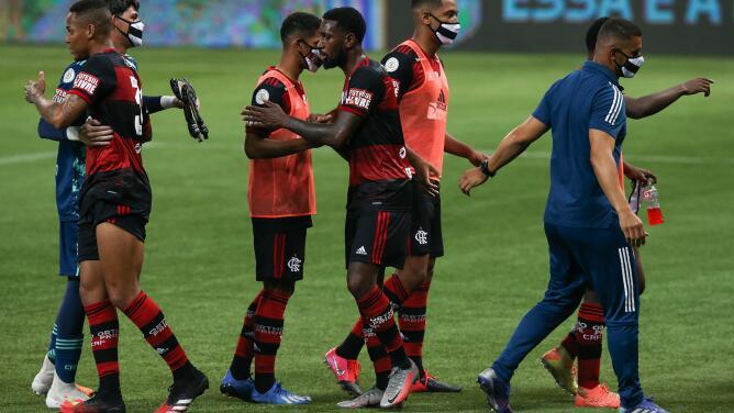 Piden descenso de Flamengo por pedir no jugar ante Palmeiras